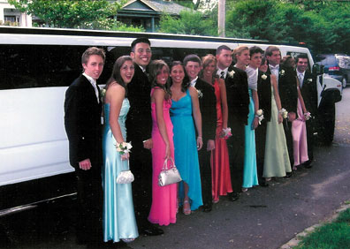 Limo hire company closes down, leaves prom goers stranded