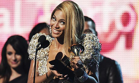 Beyonc Accepts Grammy