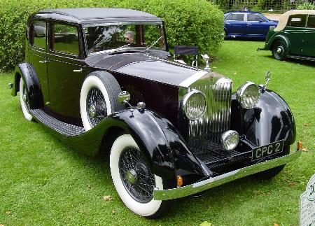 Rolls Royce limo once owned by Churchill makes public appearance