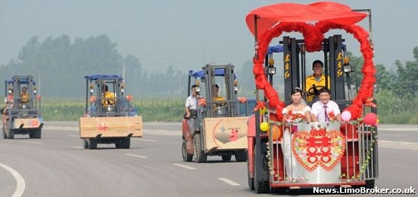 Forklift truck wedding car has special meaning for couple in China