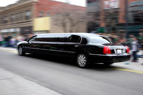 Chauffeur Driver Tries to Lure Children into Limo