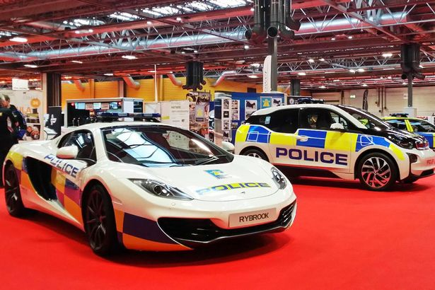 Britain's Fastest Police Car Named as McLaren 12c Spider