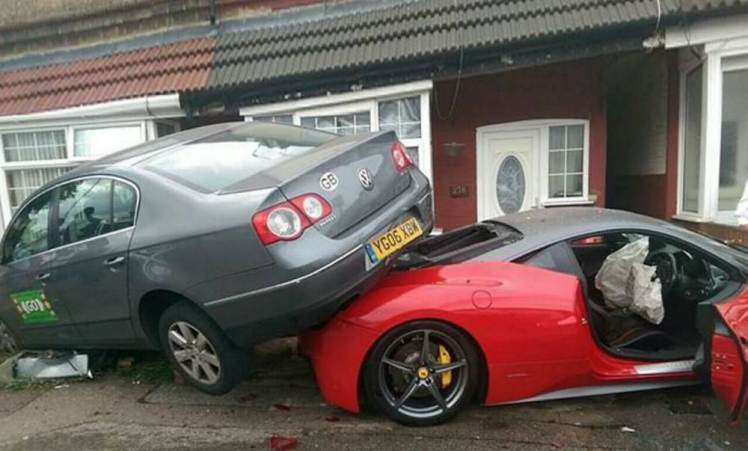 £220,000 Ferrari 458 Italia Hire Car Smashed to Smithereens