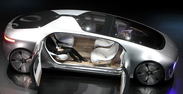 Mercedes to Introduce Driverless Limo Service