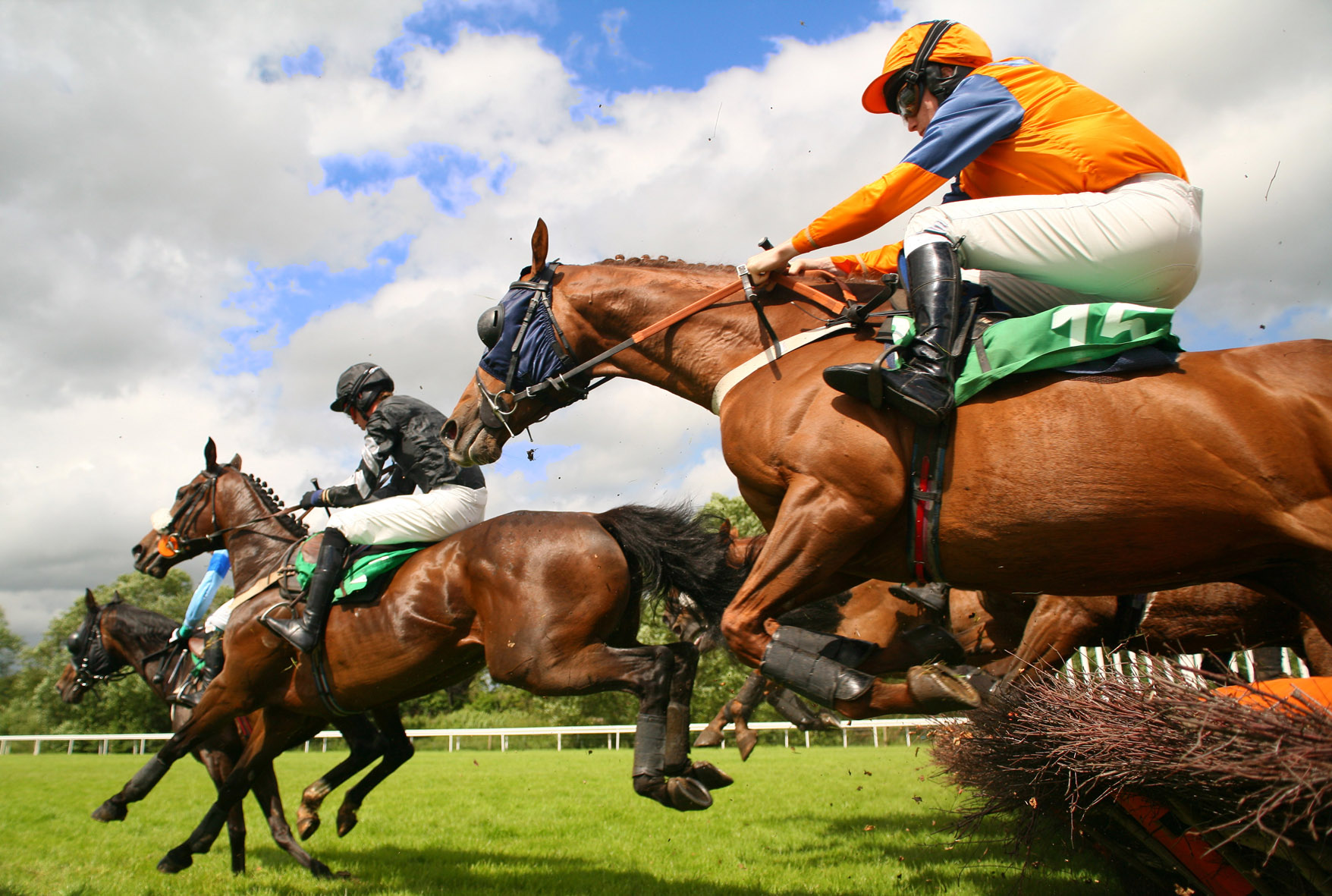 Private hire drivers plan city blockade during Grand National