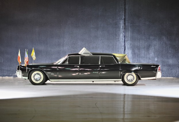 Limousine used to chauffeur the Pope and astronauts to be sold at auction