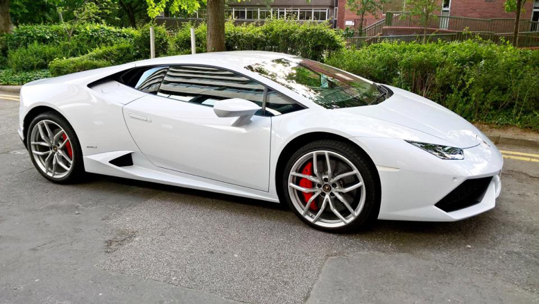 Lamborghini Huracan named as the fastest taxi in Lincolnshire